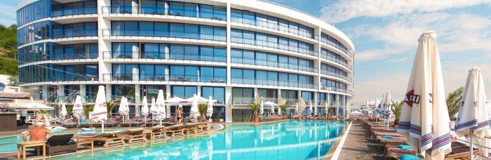 бассейн в отеле Одесса