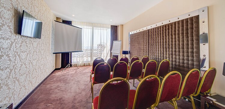 конференц-зал для совещаний или заседаний 1