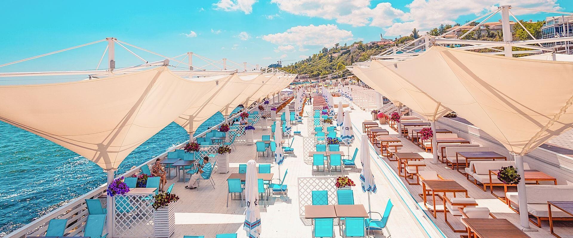 Летняя терраса ресторана отеля Одессы