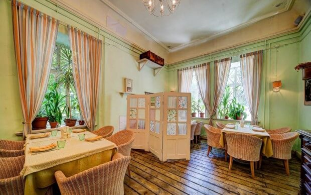 Unusual restaurant in Odessa Dacha